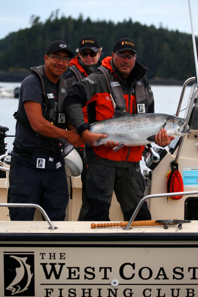 * Guide Cliff, Kim Gordon and Don Wells with the final Tyee of the 2015 season.