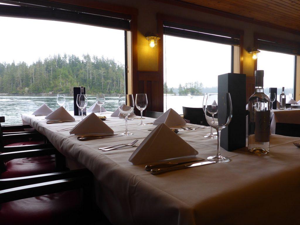 <em>* Dinner with a view - Bon Appetit! </em>
