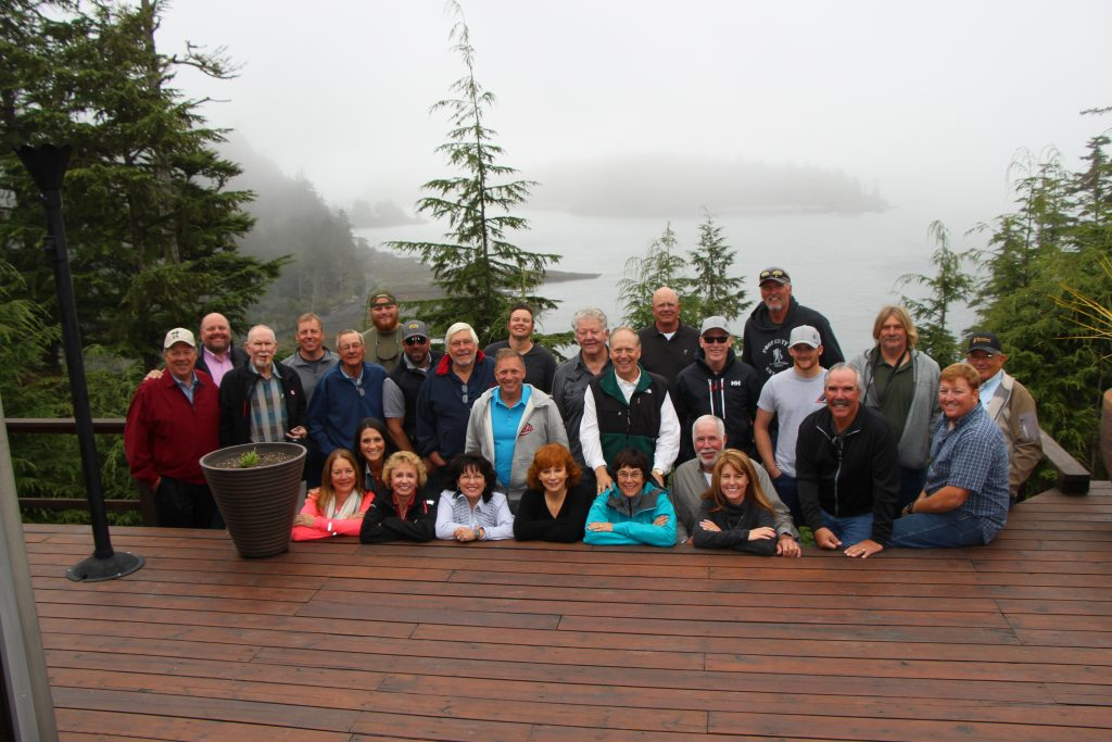 <em>* Reba McEntire surrounded by friends and family on The Clubhouse deck. </em>